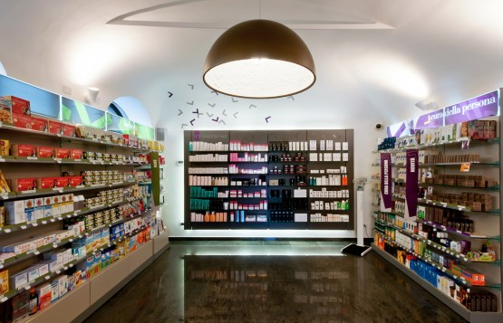 farmacia valletta novi ligure alessandria Mobil M rosy falcone visual merchandising vmotion (6)