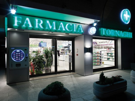 farmacia tornaghi villa adriana tivoli roma Mobil M marketing cabina estetica in farmacia (1)